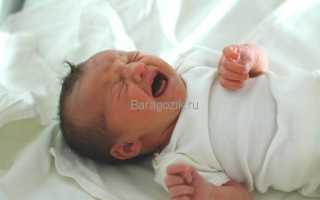 Чем помочь малышу при коликах