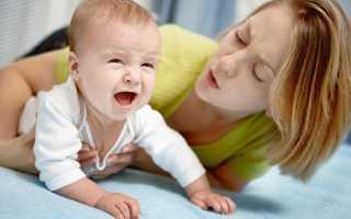 У ребенка три года болит живот